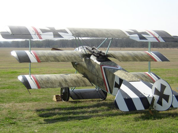 Fokker in sunshine