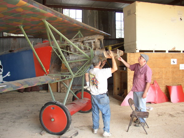 fitting temporary engine to Fokker D.VII