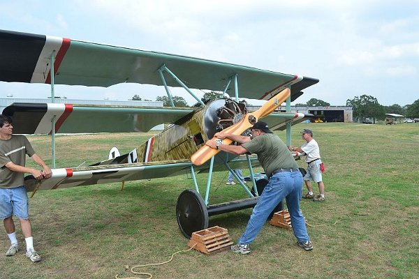 Trying to start the Fokker Dr.I